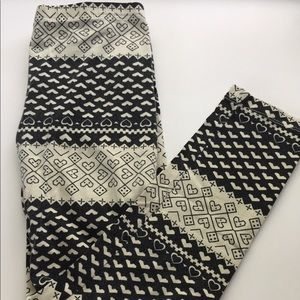 Black and white soft leggings